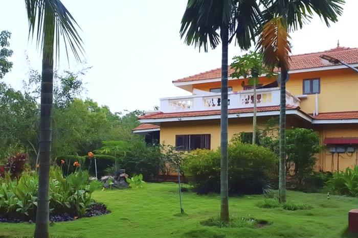 hip yoga Center in Costa Rica